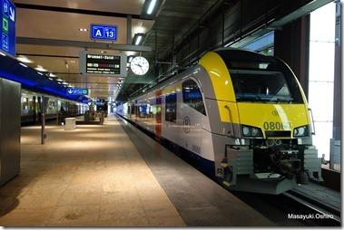 ベルギー国鉄の最新型車両、Antwerpen-centraal駅