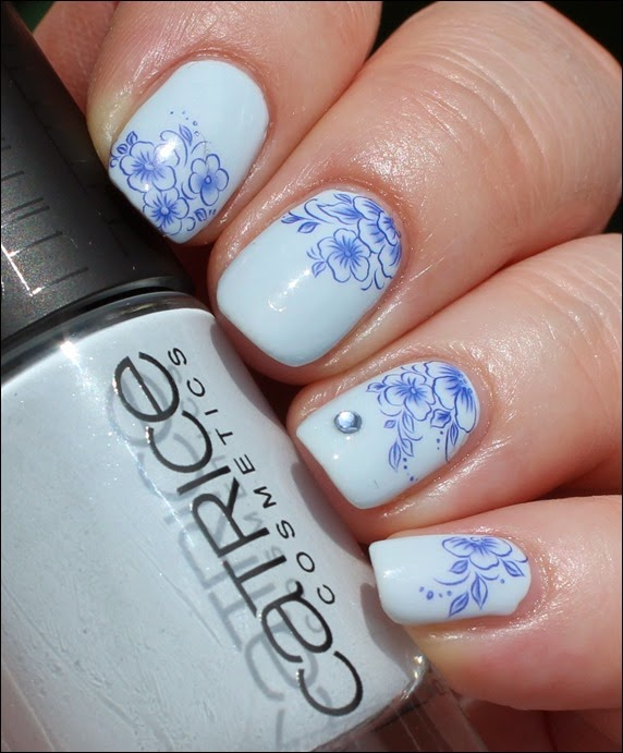Blue Friday Flowers Blaue Blümchen Mottomonat Blütenzauber Nail Art Nageldesign Water Decals 06