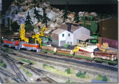25 LK&R Layout at the Triangle Mall in February 2000
