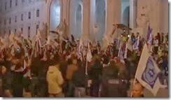 Polícias tomam escadarias de São Bento Nov. - Dez.2013