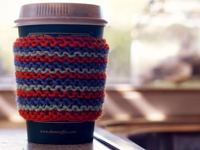 virtù - knitted coffee cosy