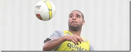 Adriano-Corinthians-Foto-Eduardo-Viana_LANIMA20120210_0020_50
