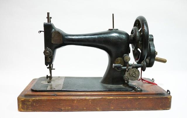 máquina coser 01