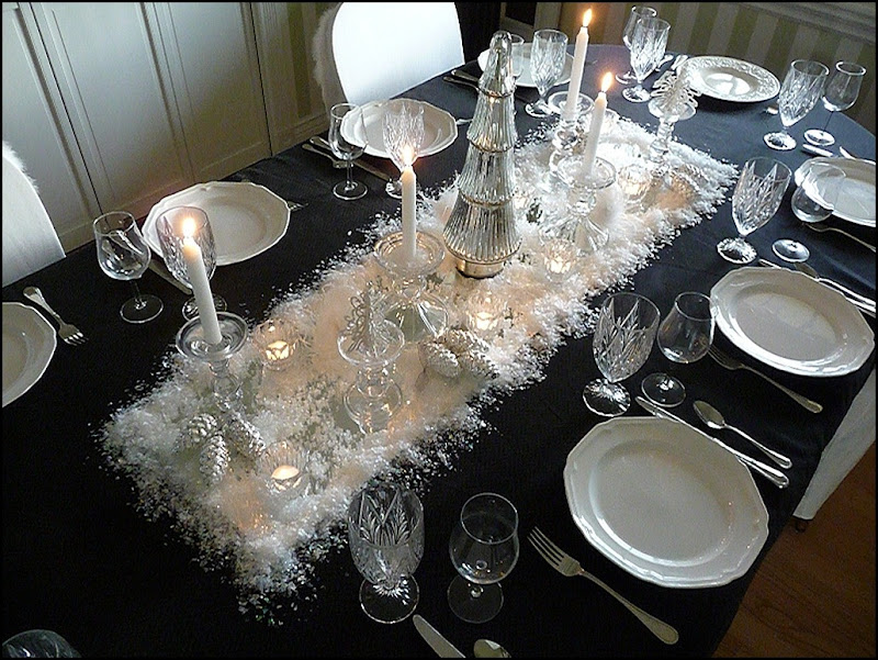 Christmas dining room black 2011 008 (800x600)