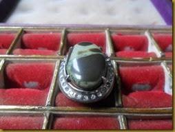 Batu Akik Pandan Arum, warnanya serupa dengan warna daun pandan yang biasanya beraroma harum | batu mulia