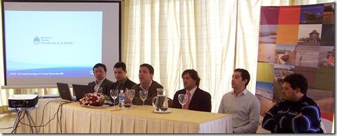 Rodrigro Torre con disertantes de la nación del curso de Marketing Digital aplicado al turismo
