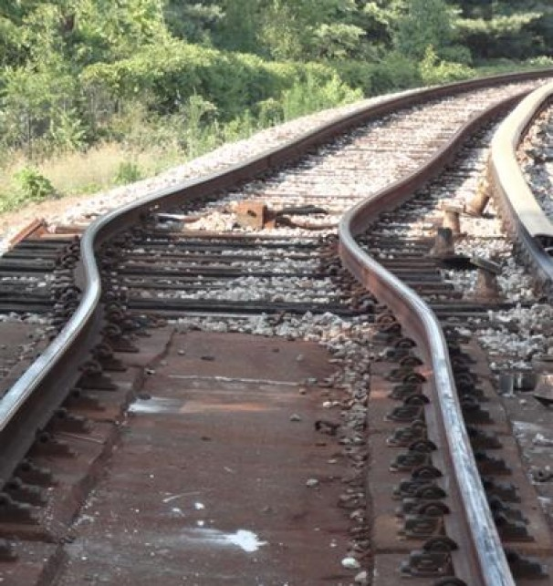 A kink in the track where D.C. Metro Green Line trains derailed, 6 July 2012, caused by an extreme heat wave. Photo: WMATA