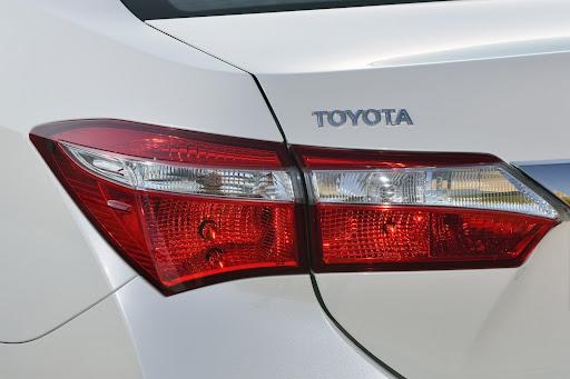 2014-Toyota-Corolla-51.jpg