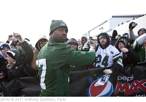 'Bart Scott - New York Jets Pep Rally Florham Park New Jersey 2011 at the Atlantic Health Training Center' photo (c) 2011, Anthony Quintano - license: http://creativecommons.org/licenses/by/2.0/