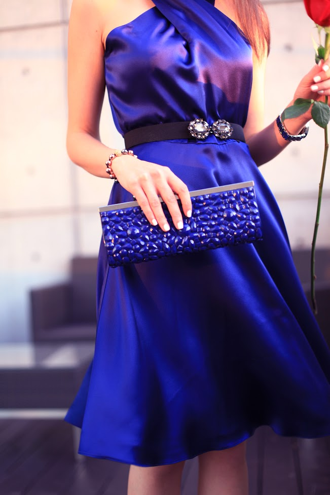 bluedress3.jpg