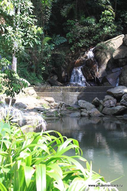 Водопад в Кату (Kathu Waterfall)