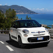 2013-Fiat-500L-MPV-Official-15.jpg