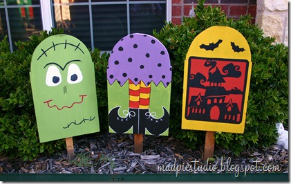 Halloween Yard Art by mudpiestudio.blogspot.com