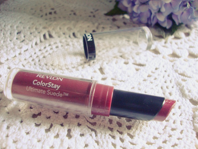 Revlon ColorStay Ultimate Suede Backstage