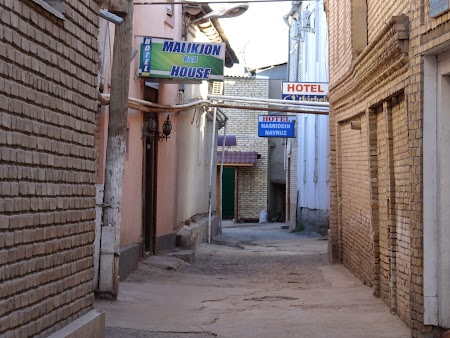 16. Pensiuni in cartierul evreiesc din Bukhara.JPG