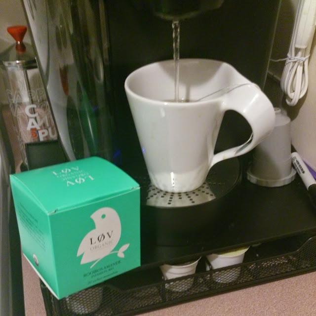 Roobios aux amandes de Løv Organic: petit plaisir à servir en latte!