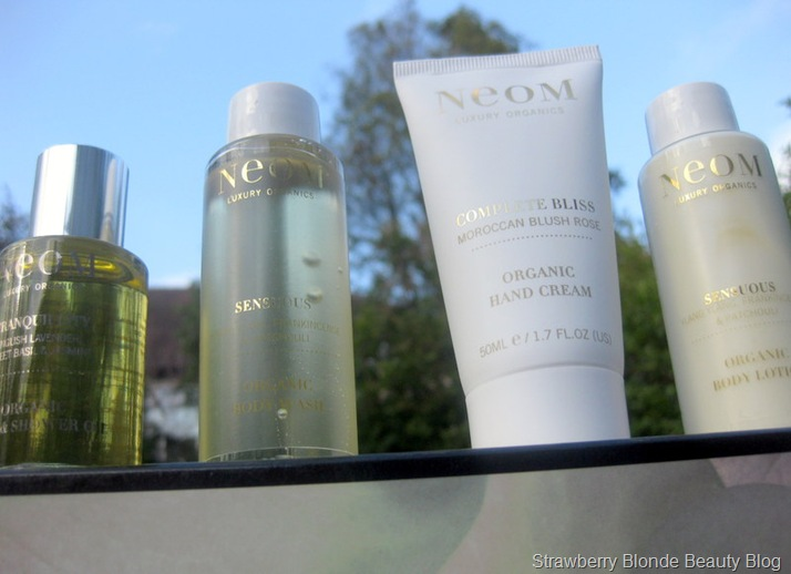 Neom-Scent-With-Love-contents