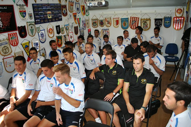 reunión entrenadores 007.jpg