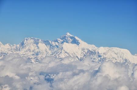Declansam povesti: Everest pozat din avion