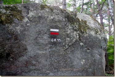 GR 11 sur rocher-001