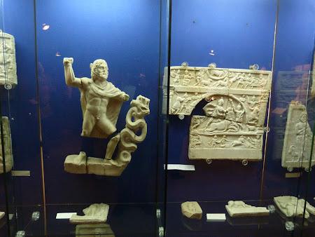 Muzeu Romania: obiecte romane Muzeul Unirii Alba Iulia