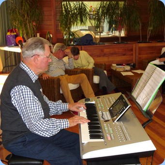 Ron Stanwell playing his Tyros 3 for the Sunday Afternoon Concert