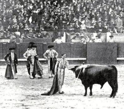 1915-05-09 (p. 12 Mundo Grafico) Un clamoroso triunfo de Joselito 01