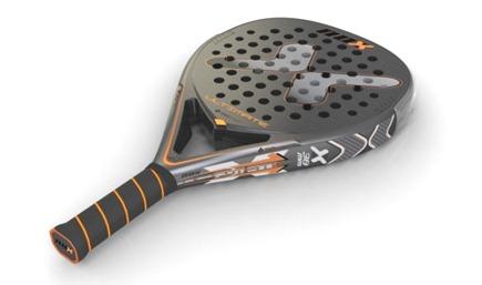 """La firma NOX presenta en sociedad su último modelo de gama alta, la pala """"Ultimate""""."""