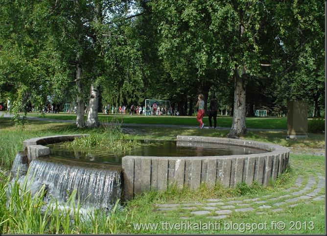 kirjurinluoto puisto potkupallo Marko ja heli maalareina 046