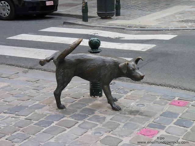 perro-meon-de-bruselas-estatua.JPG