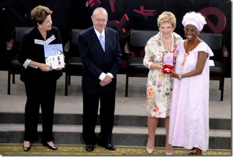 Raquel Homenagem Dilma