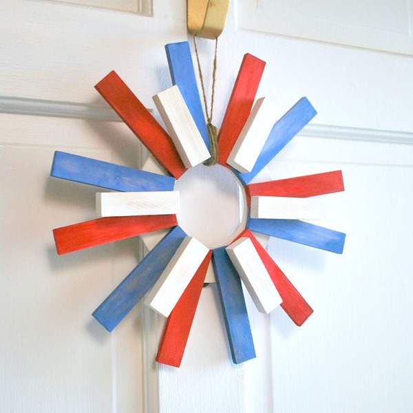 The Silly Pearl - Patriotic Sunburst Wreath