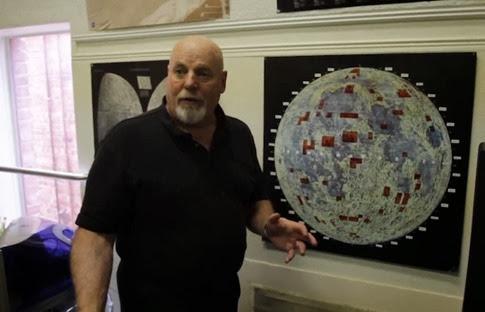 El hombre que vende terrenos en la Luna
