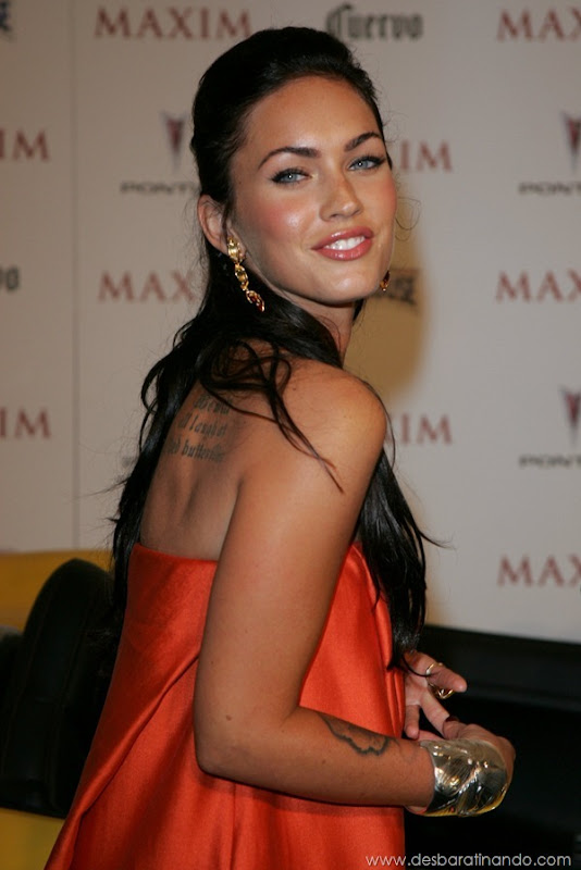 megan-fox-linda-sensual-sexy-sedutora-gostosa-pics-picture-fotos-foto-photos-vestido-saia-salto-lingerie-boobs-decote-sexta-proibida-desbaratinando (293)
