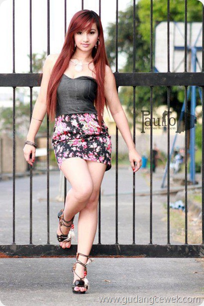 Cewek Cantik Berpose Hot || gudangcewek.com