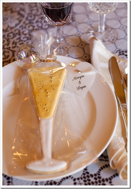 champagne cookie party favors