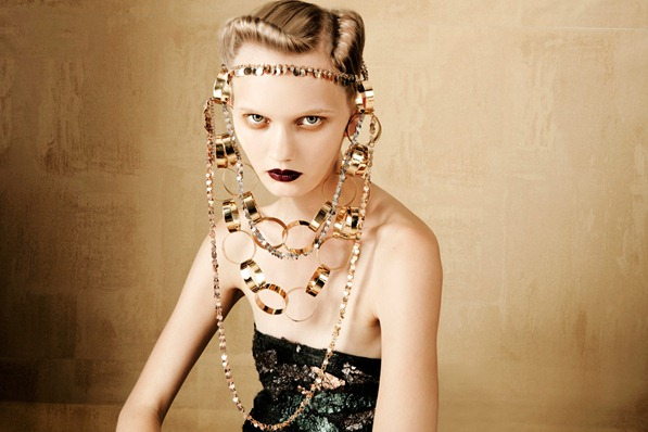 BOLD-GOLD-by-Oskar-Cecere-for-Vogue-Italia-DESIGNSCENE-net-09