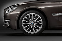 2013-BMW-7-Series-31.jpg