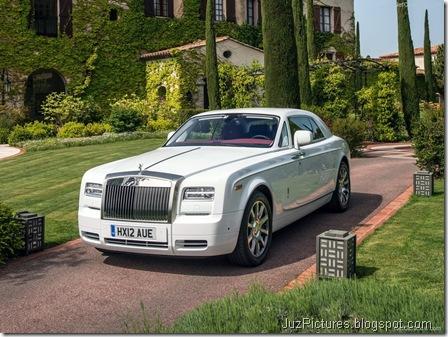 Rolls-Royce-Phantom_Coupe_2013_800x600_wallpaper_08