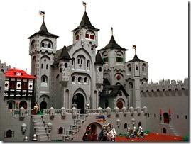 Lego-castleco-op_thumb1