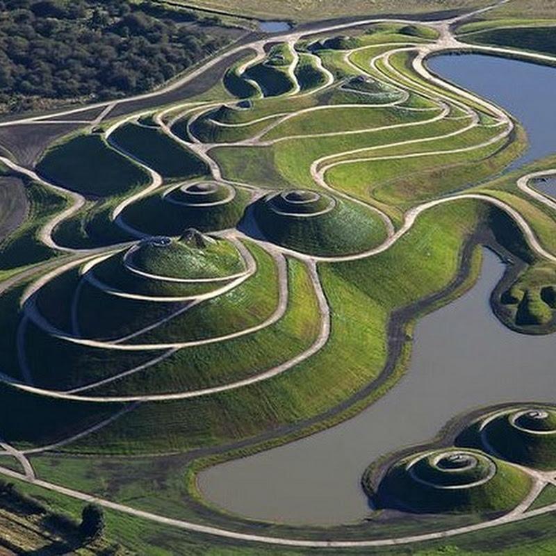 Charles Jencks's Peculiar Landscaping Art