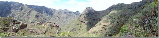 Panorámica con el Roque de Los Pinos en el centro