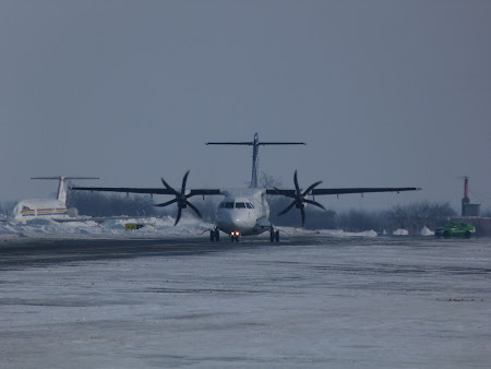Avion Tarom ATR 42 la Otopeni