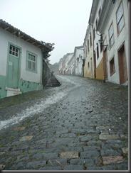 Ouro Preto river road - Lisa