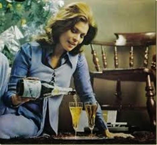 Mirta Miler, haciendo un anuncio de navidad