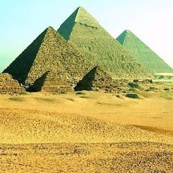 13 - Piramides de Keops, Kefren y Mikerinos en Gizeh