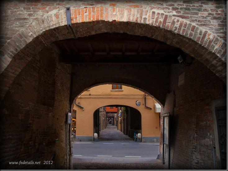L'ultimo arco di Via Capo delle Volte, Ferrara, Emilia Romagna, Italia - The last arc of Via Capo delle Volte, Ferrara, Emilia Romagna, Italy - Property and Copyrights of FEdetails.net