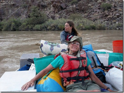 05 Gaelyn &amp; Shelly on the stout boat Colorado River trip GRCA NP AZ (1024x767)