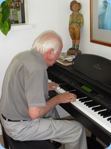 Rob Powell playing the Clavinova