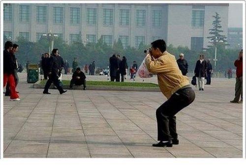 divertenti-pose-dei-fotografi-06.jpg
